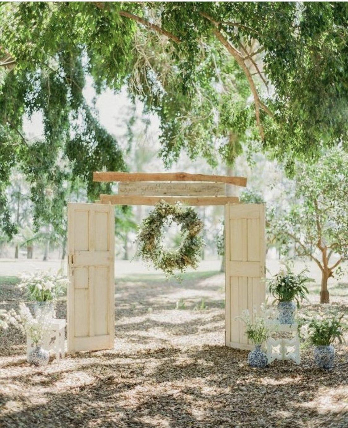 Outdoor Wedding Ceremony Doors: Ceremony Backdrop Outdoor, Rustic