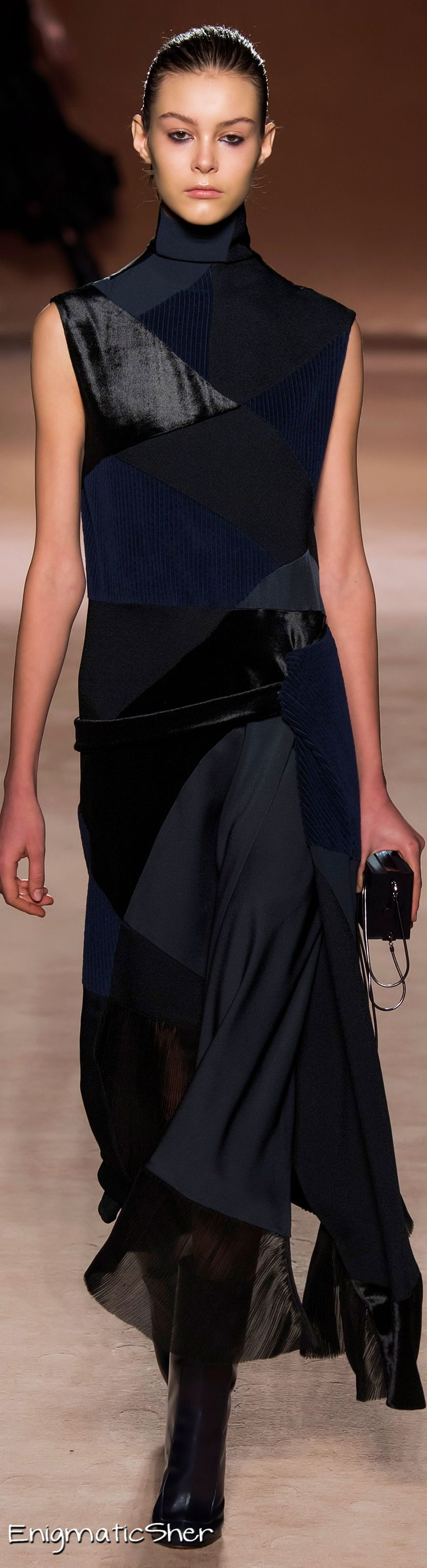 Victoria Beckham Collections Fall Winter 2015-16