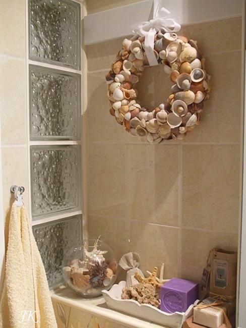 33 Modern Bathroom Design And Decorating Ideas Incorporating Sea Shell Art And Crafts Seashell Bathroom Decor Beach Bathroom Decor Beach Wall Decor