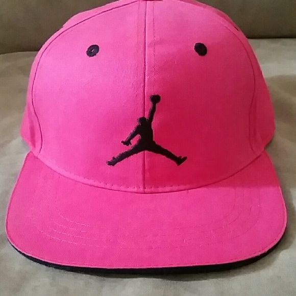1e0eda2418b Hot pink Jordan hat Hi i am selling my hot pink Jordan hat size 7 16. Its  in good condition
