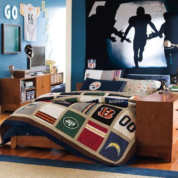 Boysu0027 Bedroom Ideas: NFL Bedroom