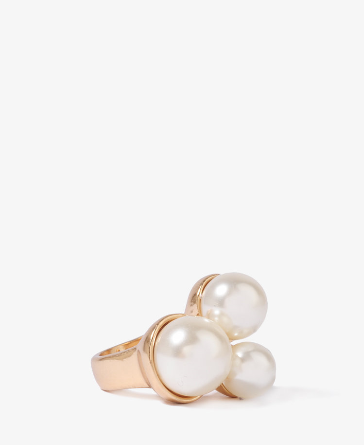 #Forever21 #ring #Pearlescent #Trio #Ring #FOREVER21 #1019932019 Pearlescent Trio Ring | FOREVER21 - 1019932019 http://www.seapai.com/product.aspx?PID=114488