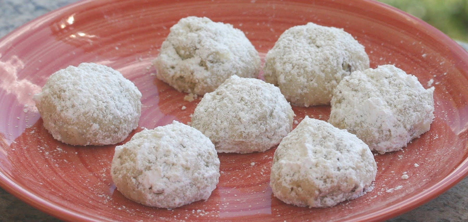 How To Make Mexican Wedding Cookies Snowball Cookies With Pecans By Rockin Robin Bloopers Wedding Cookies Mexican Wedding Cake Mexican Wedding Cake Recipe