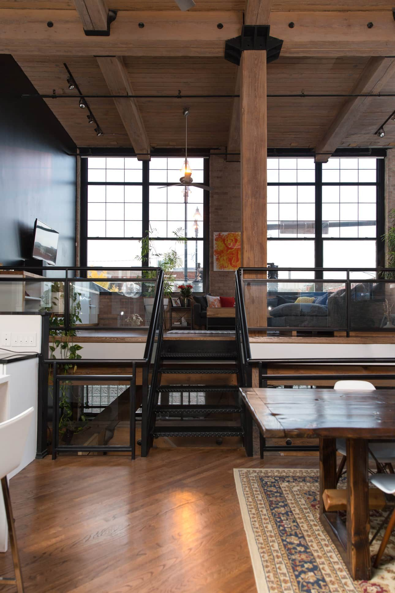 A Cozy, Warm Industrial Remodeled Chicago Loft | Chicago ...