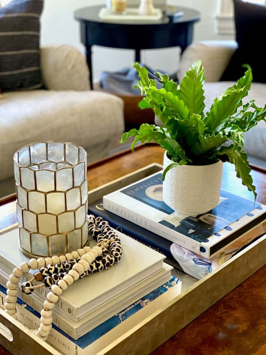 Tips For Five Minute Coffee Table Styling Classic Casual Home Coffee Table Styling Coffee Table Table Style [ 1133 x 850 Pixel ]