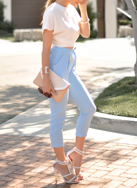 Cool Denim Pants Are The Most Classic Bottoms That Women  Of Outfits We Are Presenting You The Most Stylish Casual Spring Work Outfits That Include Blue Pants And All The Ways You Can Combine Them High Waisted Blue Pants Can Be
