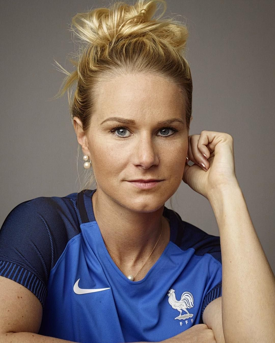 The 29-year old daughter of father (?) and mother(?) Amandine Henry in 2019 photo. Amandine Henry earned a 0.5 million dollar salary - leaving the net worth at  million in 2019