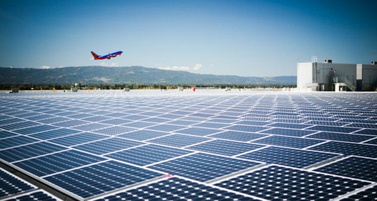 World S Largest Fully Solar Powered Airport Will Reduce 300 000 Tons Of Carbon Emissions In India Solar Solar Panels Solar Energy Panels