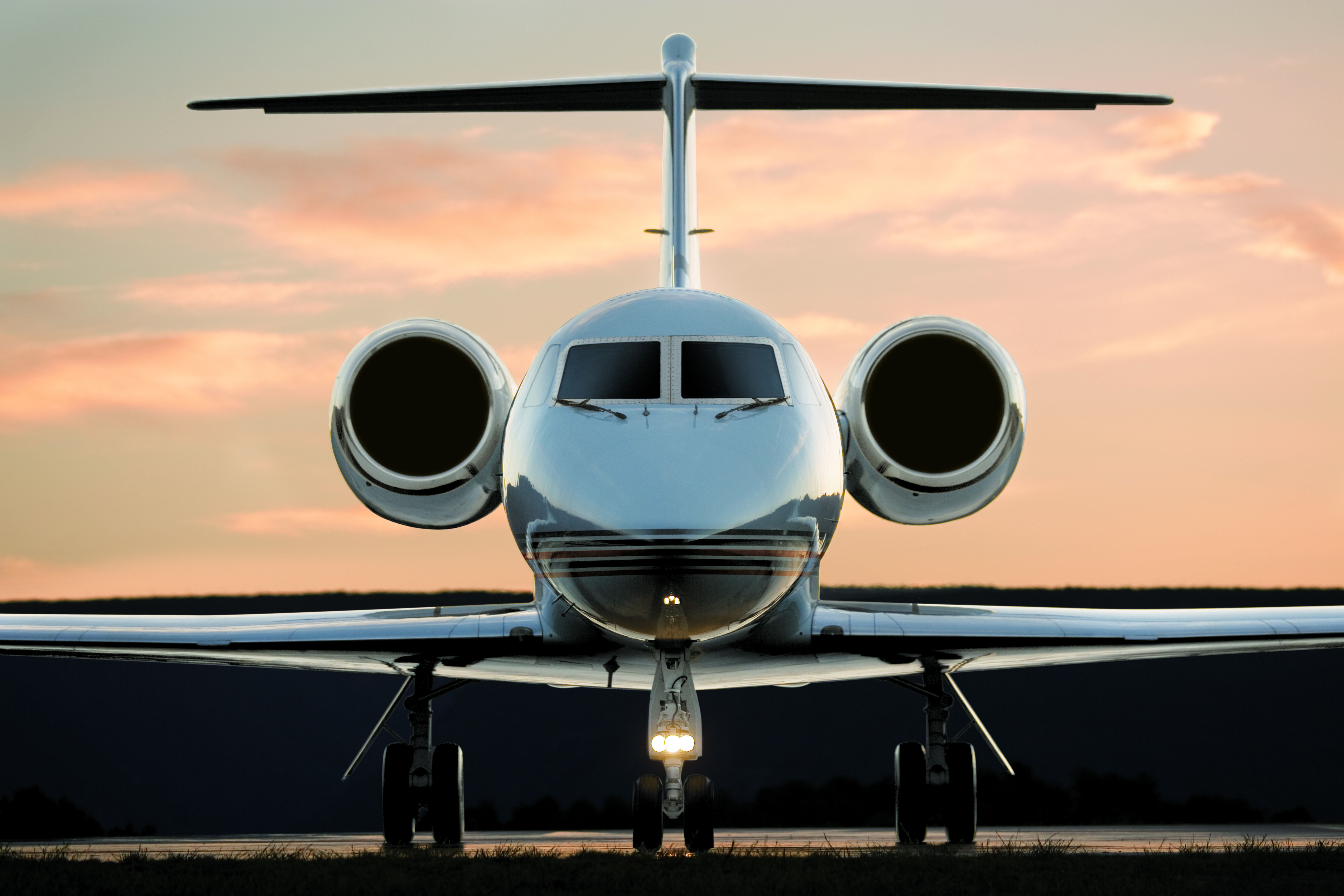 Private jet charters at guaranteed lowest rates in the