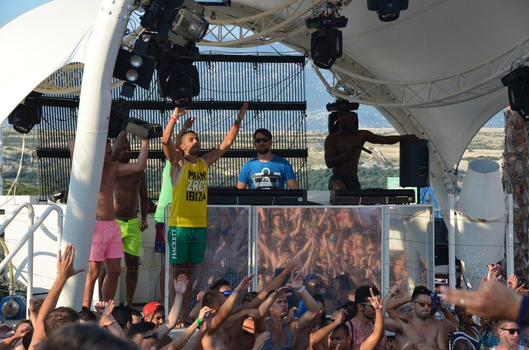 Party at Aquarius Zrce  #zrce #novalja #otokpag #inselpag #partybeach #summer #festival #zrcebeach #croatia #kroatien #hrvatska #beach #partyurlaub