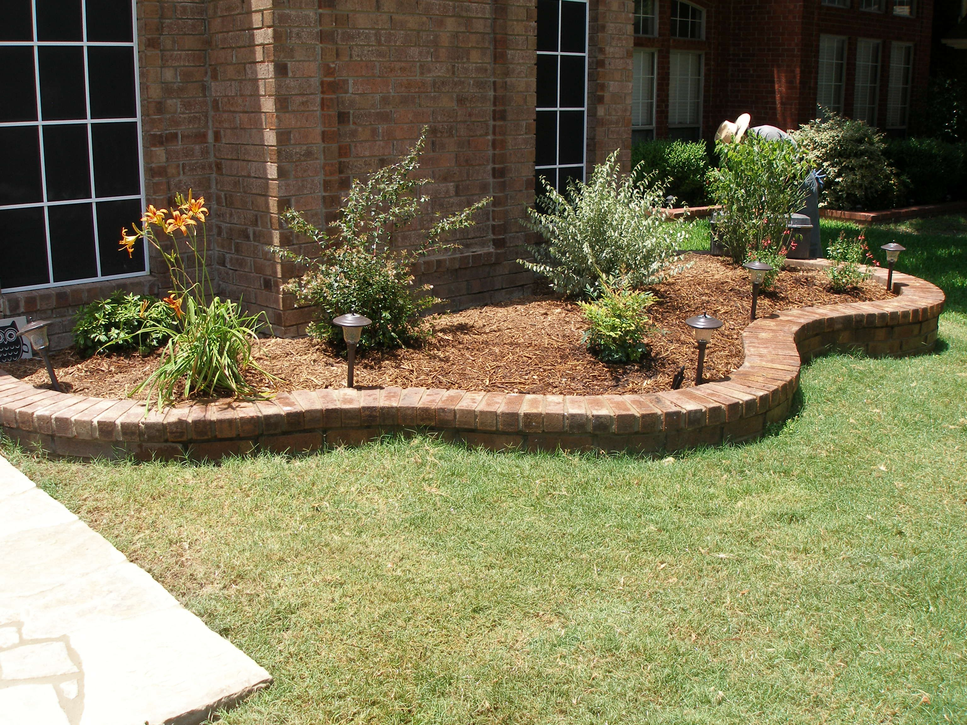 front yard edging by baldi gardens tx our latest work pinterest front yards yards and gardens. Black Bedroom Furniture Sets. Home Design Ideas