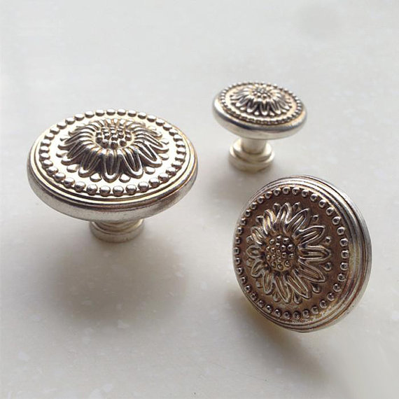 Shabby Chic Drawer Knobs Pulls Handles Dresser Pull Knob / Antique ...