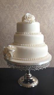 Pearls Wedding Cake <3