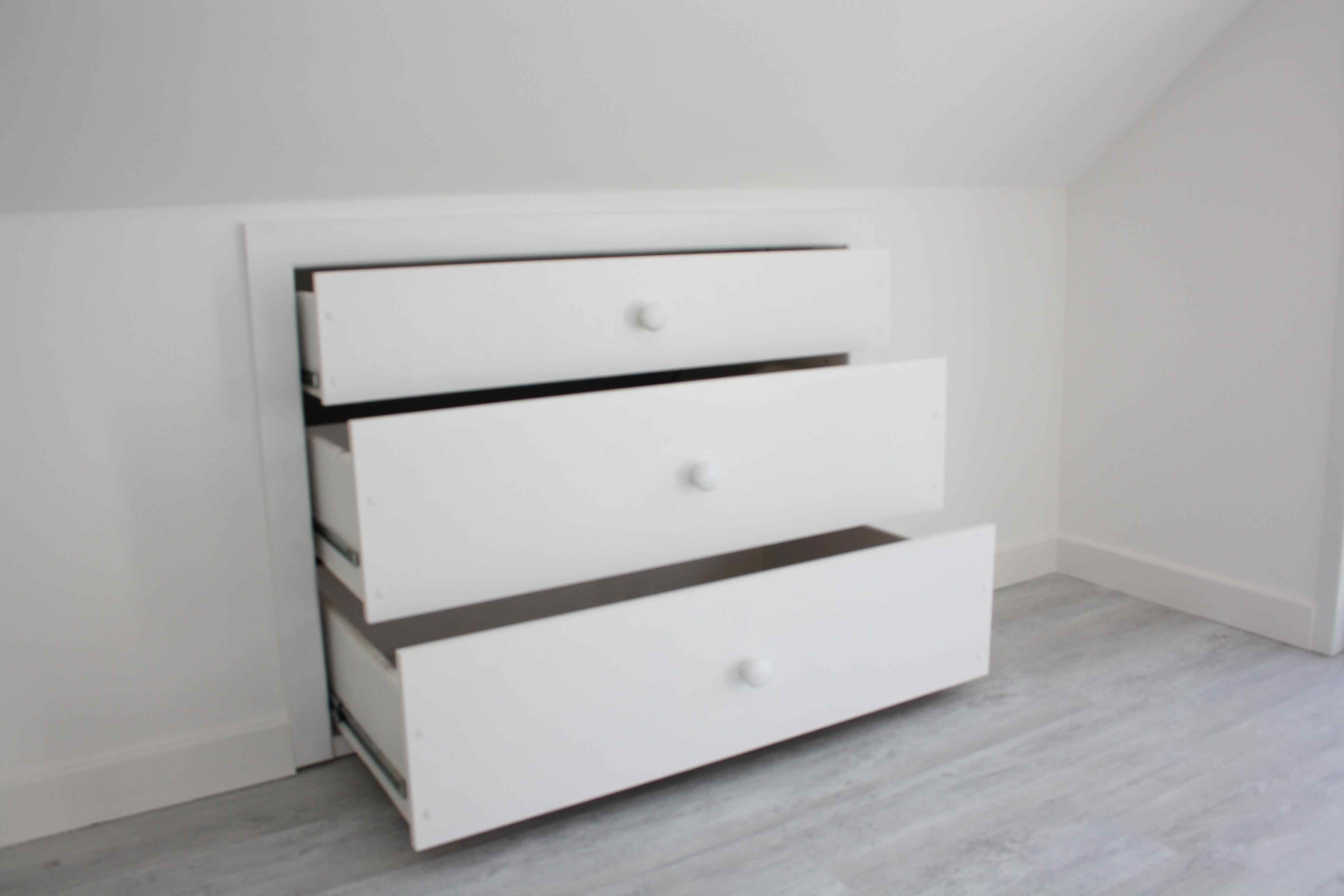 drawers for the wasted attic space ideas for the home pinterest dachausbau versteckter. Black Bedroom Furniture Sets. Home Design Ideas