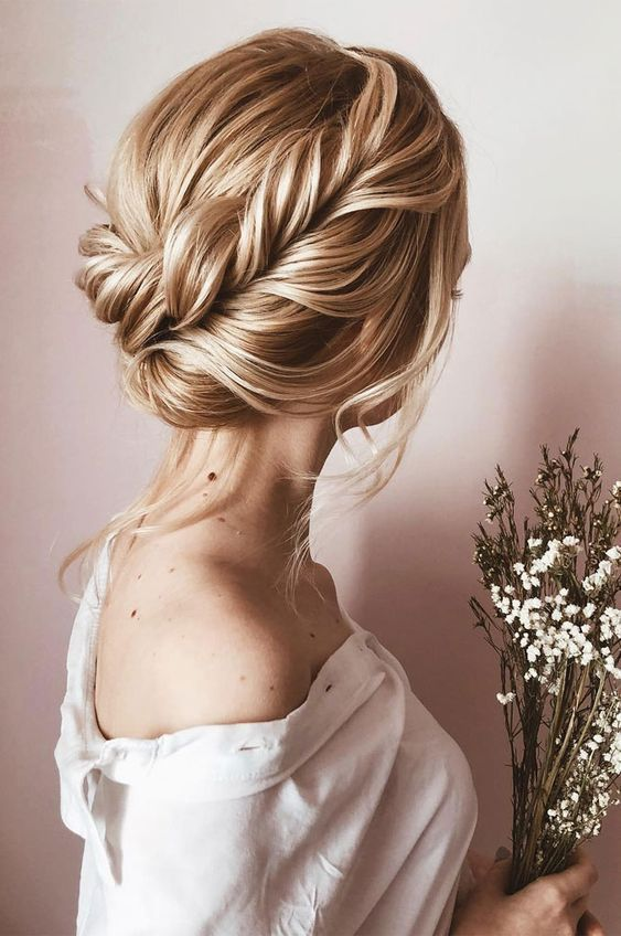 100 Elegant Wedding Ideas To Wow Your Guests Elegant And Classy Wedding Hairstyles Updo Hairstyle Simple And Classy With Braid Bride Hairstyles Elegant Wedding Hair Elegant Hairstyles