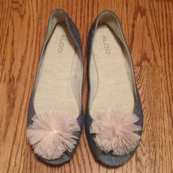 Aldo's flats Cute denim w/pink topping in front of shoe:: NWT:::::these run small like a SZ 8 tag says SZ40== to a 10 but like I said these run extremely small ALDO Shoes Flats & Loafers
