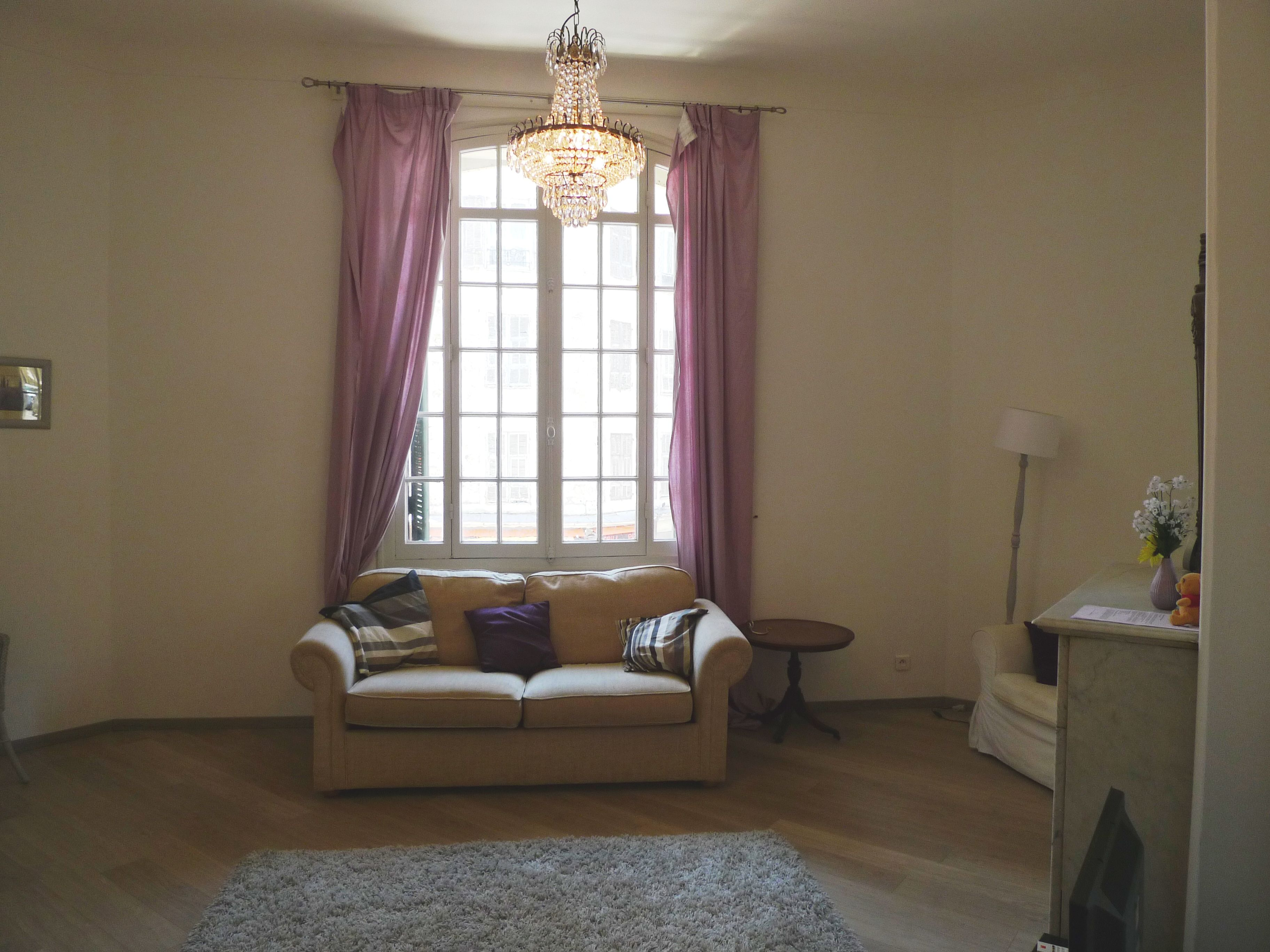 Cute 1 Bedroom Apartment In The Centre Of Nice Property Ref Hgard Enquire For Details 0033 0 4 93 With Images 1 Bedroom Apartment Renting A House Home Decor