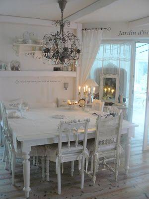 Love this all-white room decoración Pinterest Esszimmer