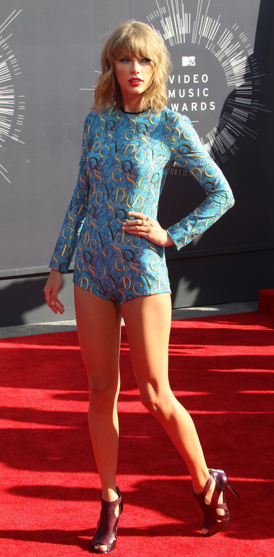 Taylor Swift mtv Awards 2014. in 2020 Taylor swift hot