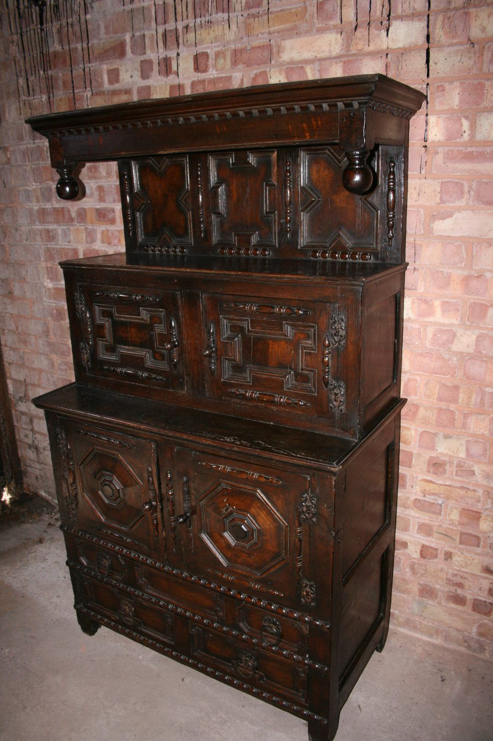 jacobean welsh oak tridarn circa 1680 antiques atlas. Black Bedroom Furniture Sets. Home Design Ideas