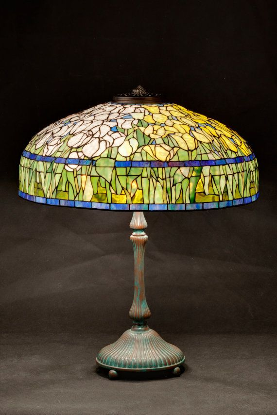 Tulip lamp shade tulip lamp stained glass shade desk lamp 22 inch tulip stained glass floral lamp tiffany lampshade aloadofball Images