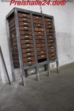 Grosser Schubladenschrank Stahlkorper Mit 35 Holzladen In Berlin Vintage Holz Holz Schubladenschrank