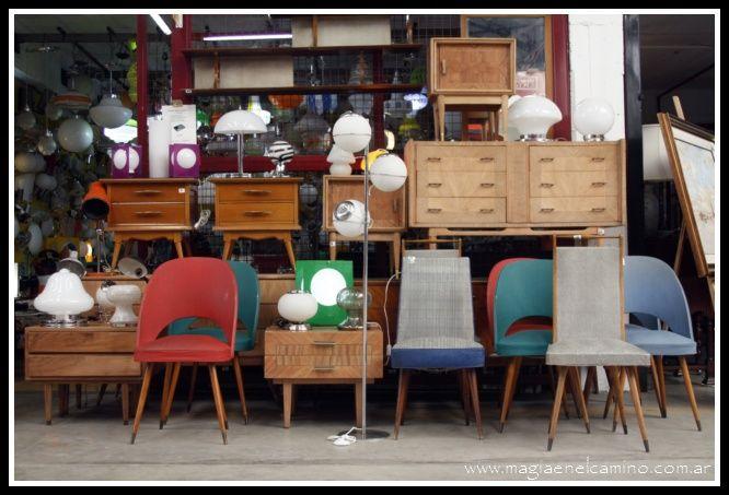 Mercado de pulgas - Buenos Aires - Argentina En el barrio porteño de Colegiales, entre las calles Concepción Arenal, General Martínez, Avenida Dorrego y Avenida Álvarez Thomas.