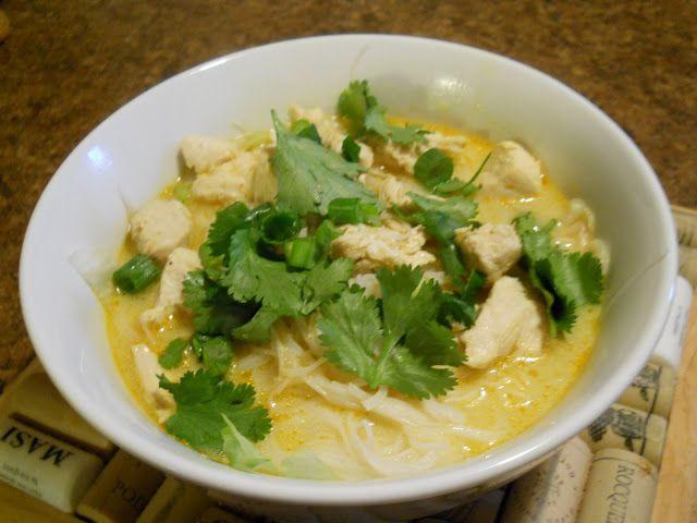 Soupe thaïe au lait de coco et cari rouge