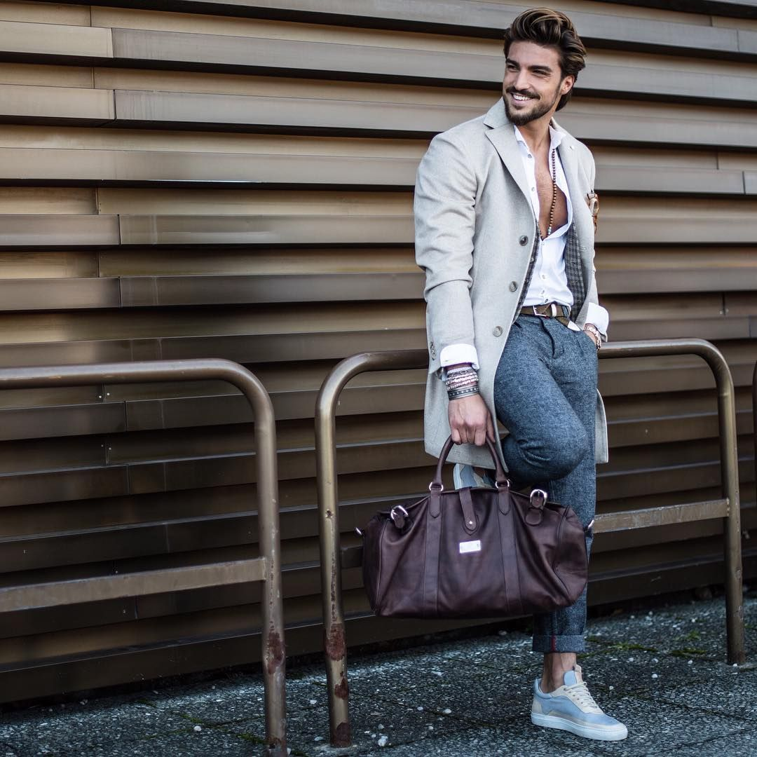 « #MDVLeatherMind collection is 100% Handmade in italy: hand-stitched is taken care of truly excellently by master tailors in Italy. Find out the… »