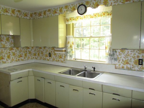 Vintage Kitchen. Crosley And Youngstown Kitchen Cabinets I Wish. ... | For