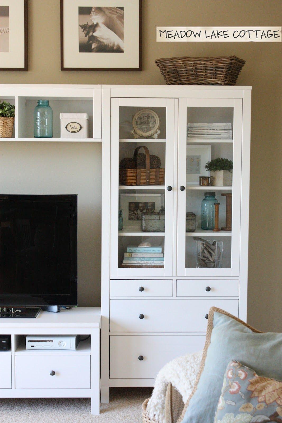 The accessorized hemnes entertainment center meadow lake - Ikea vitrinas salon ...