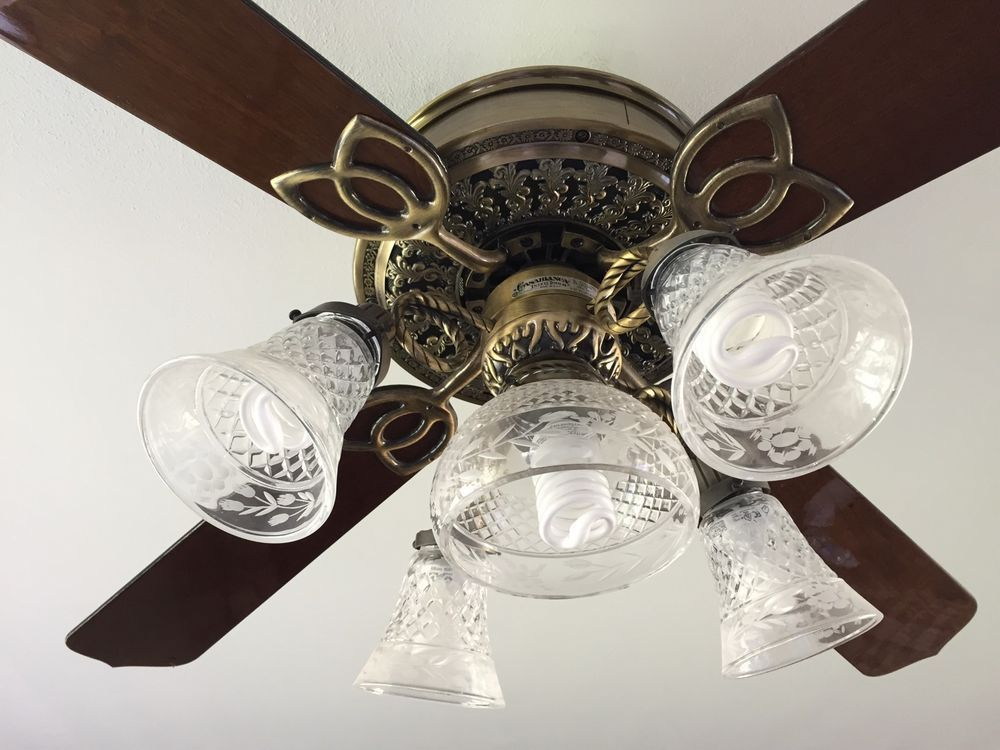 CASABLANCA VICTORIAN CEILING FAN WITH LIGHT