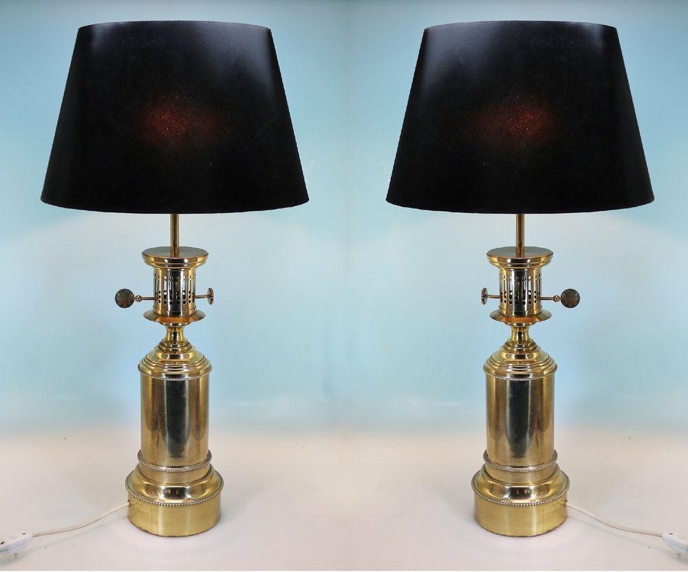 Ein Paar große Marinelampen, elektrifizierte Petroleum Lampen aus ...