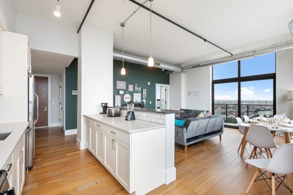 Travelers Corporate Travelers Families And Vacation Travelers All Of Our Residential H Furnished Apartment Affordable Apartments Fully Furnished Apartments