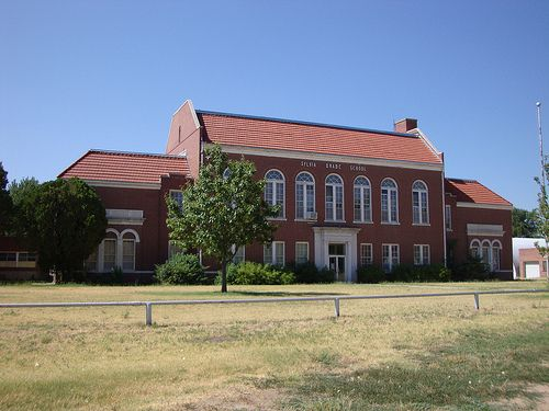 Old Sylvia Rural High School Sylvia Kansas Old School House Abandoned Places Old Houses