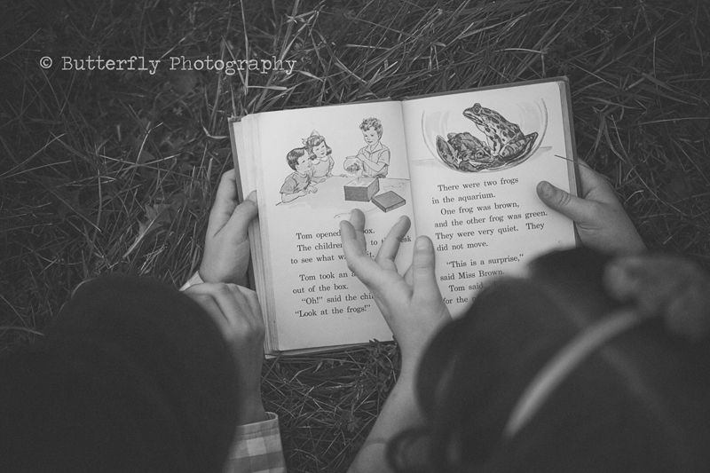 ♥ parent reading to child... Live this shot