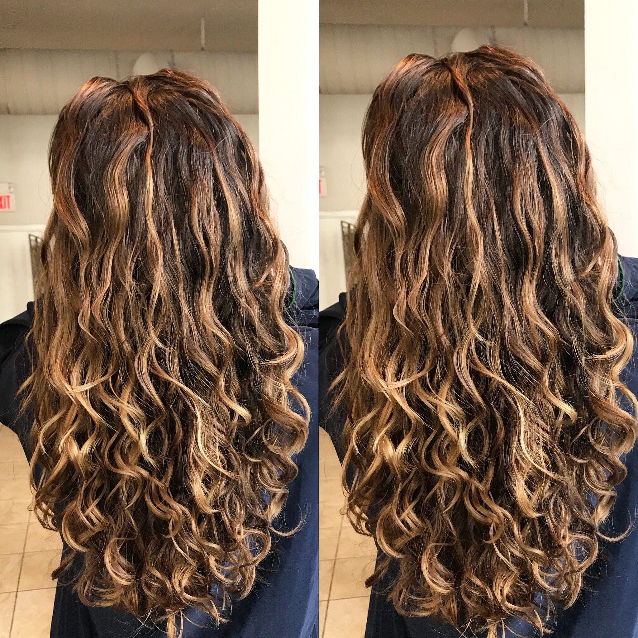 Pin By Vaza Salon On Balayage Highlights Curly Hair Styles Curly Hair Styles Naturally Hair Inspiration