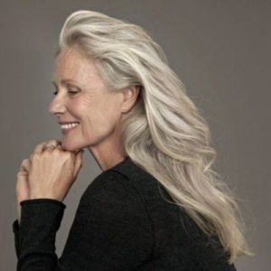 Hairstyles For 50 Year Old Woman With Glasses Womens Hairstyles Hair Styles For Women Over 50 Thick Hair Styles