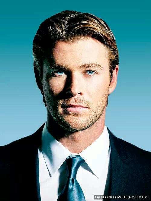 Chris Hemsworth(thor)