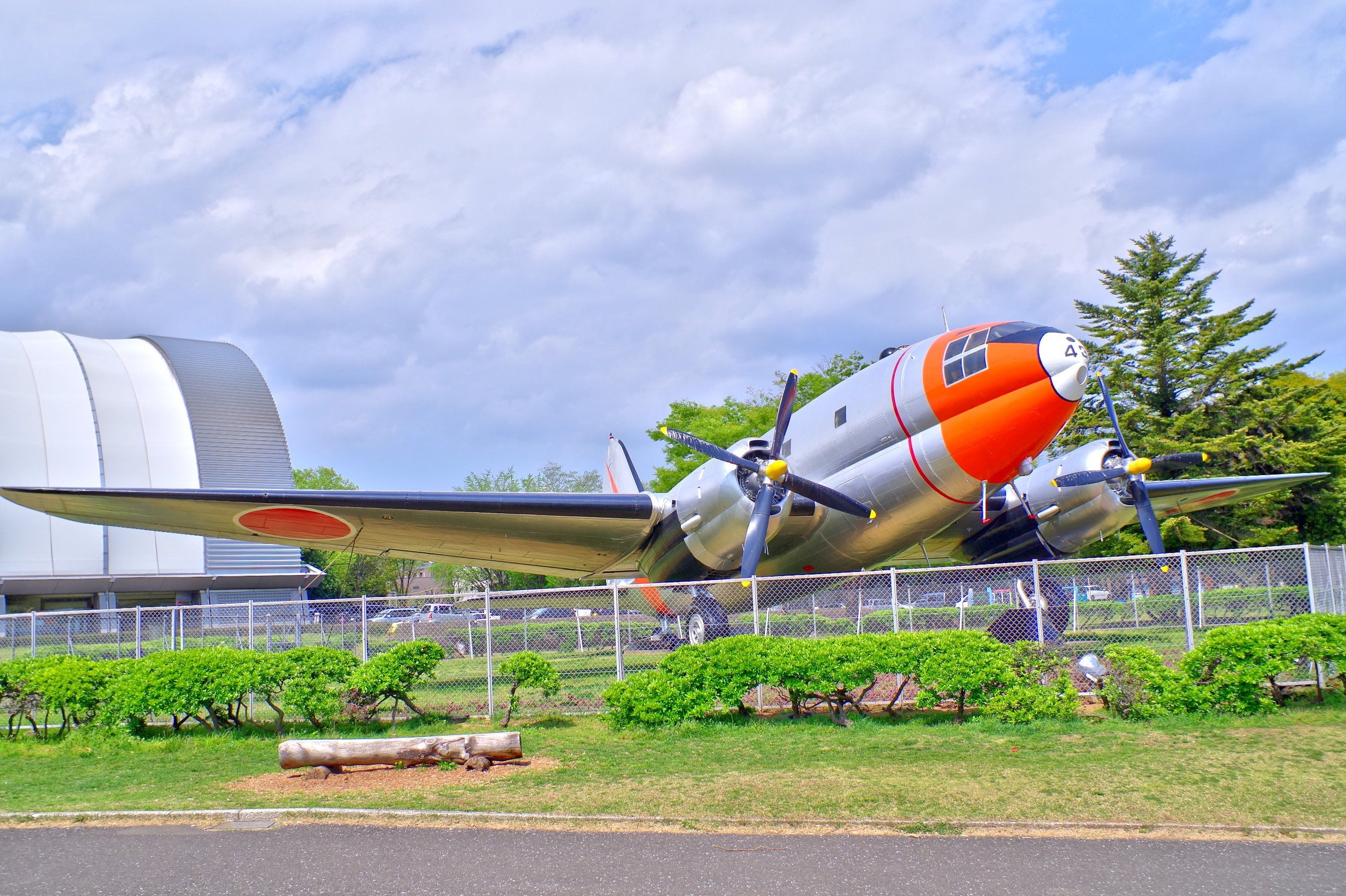 所沢航空公園の天馬   天馬 と 所沢