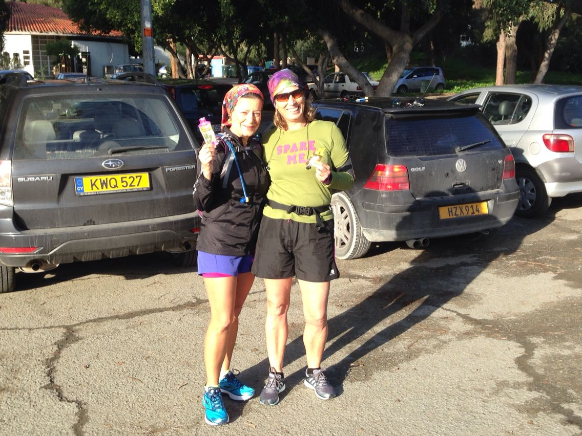Revda and Peta taking there gels for our 16km run!