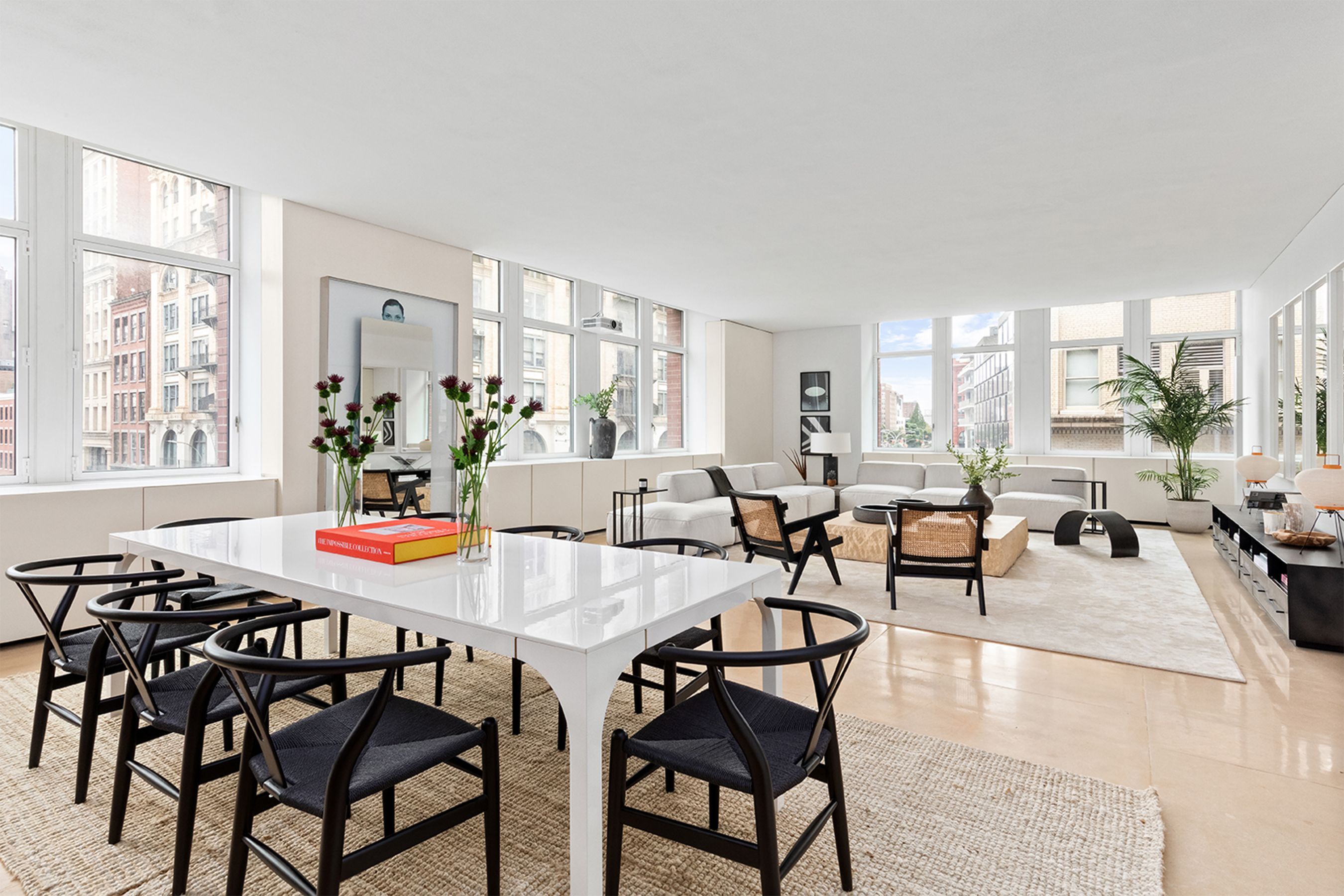 Kanye West S 4m Former Soho Apartment Has Found A Buyer See Inside The Minimalist Space Soho Apartment Old Apartments Living Dining Room