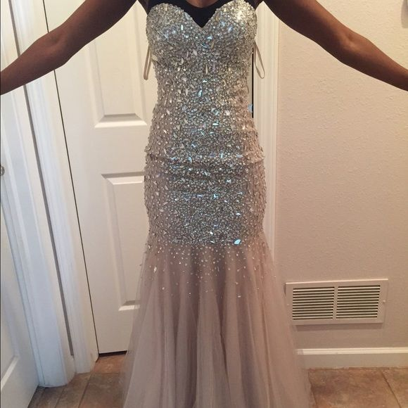 Size Zero Prom Dresses