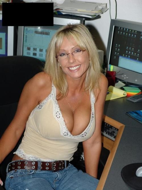 englishtown milfs dating site Date milfs online is a singles site that not only offers you the chance to meet gorgeous mature single ladies online for lots of fun and maybe more.