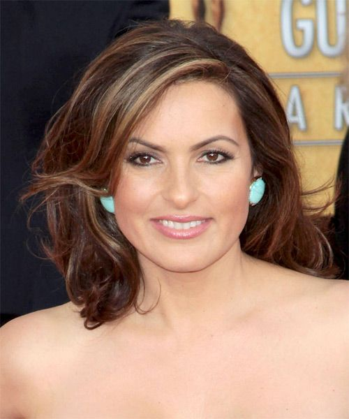 Mariska Hargitay Hairstyles Haircuts And Colors Medium Hair Styles Hair Images Square Face Hairstyles