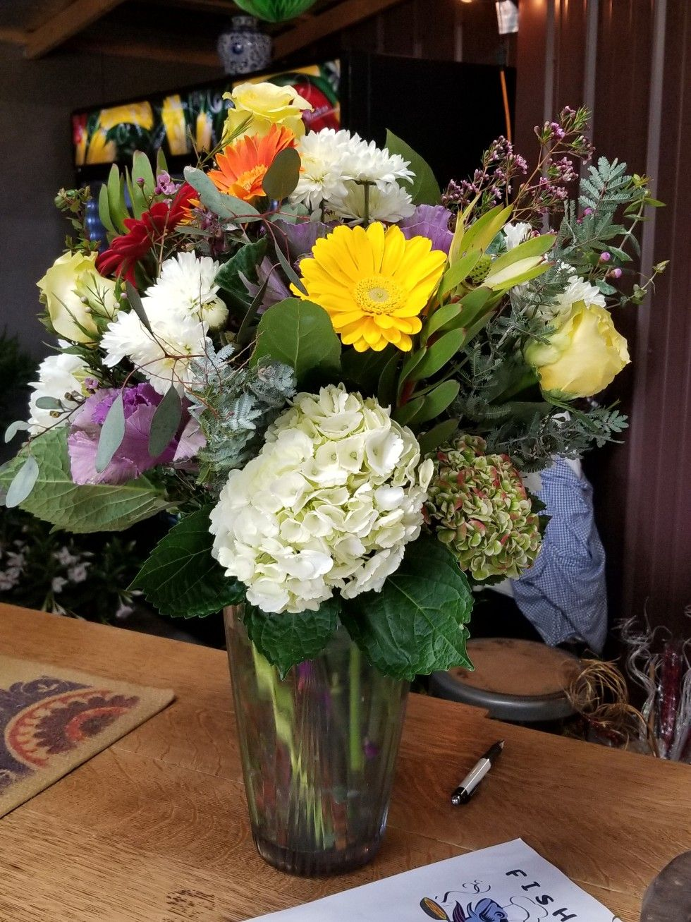 Mixed Flowers In A Vase Spring Flowers In A Vase Flower Vases Flower Arrangements Spring Flowers