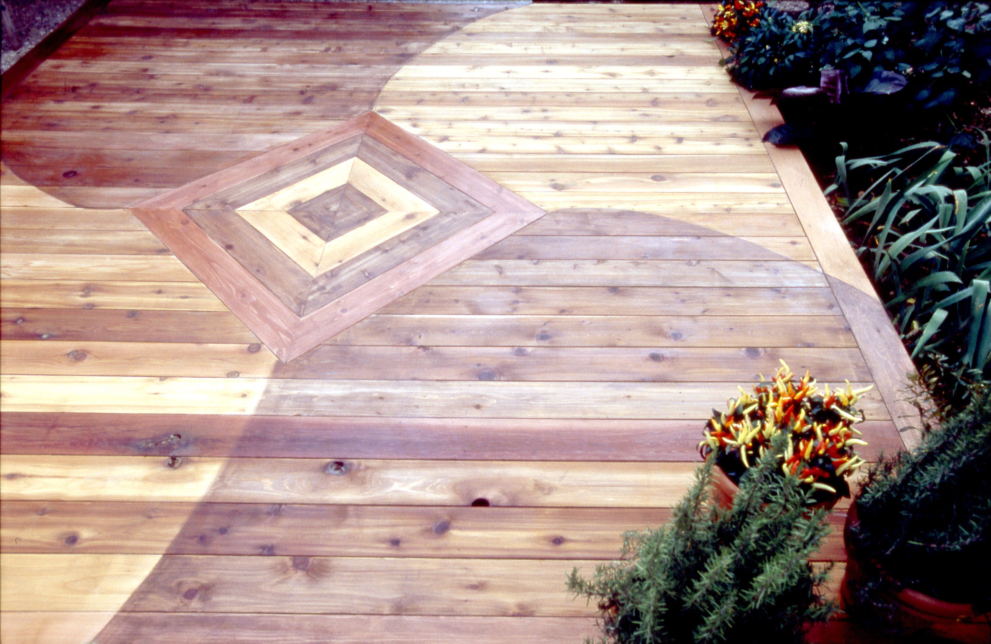 Three Colors Of Thompson S Water Seal Tinted Wood Protector Create A Dramatic Statement On This Cedar Deck Thompsons Yard Design Deck