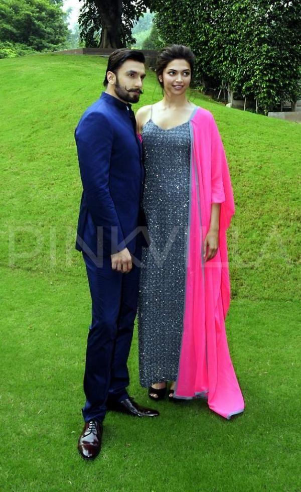 Deepika Ranveer Promote Ram Leela In Delhi Deepika Ranveer Deepika Padukone Style Bollywood Fashion