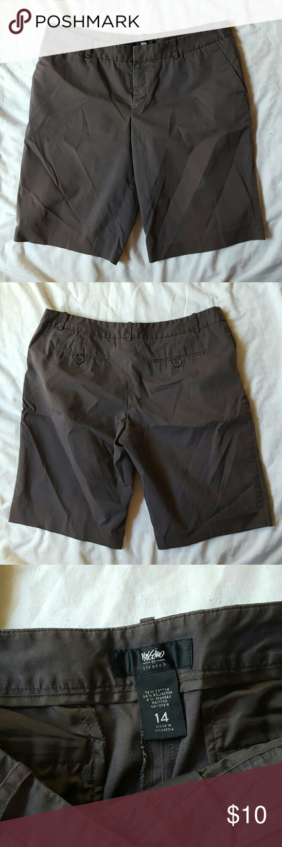 Classic Mossimo Stretch Shorts Classic mossimo shorts are always in style and ready for warm weather.  Size 14  11.5 inch inseam  72% cotton 34% polyester 4% spandex Mossimo Supply Co Shorts Bermudas