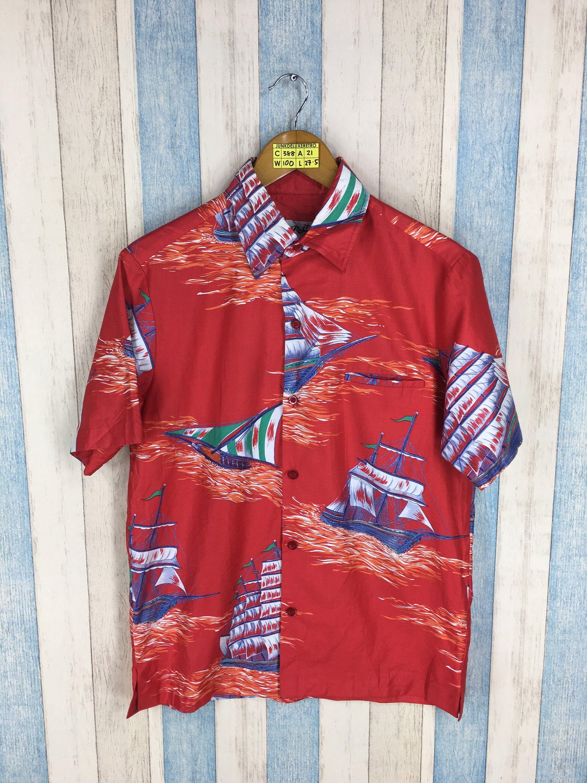 583b251e #clothing #shirt #hawaiirayonshirts #vintagemenshawaii #hawaiianusashirt  #vintagekamehameha #sunsurfhawaiian #tikihonoluluhawaii #iolanihawaiian